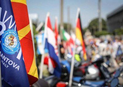 061614-vespa-world-days-parade-09-633x422